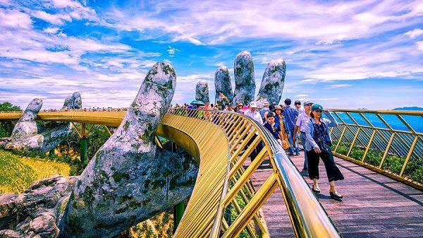 Cầu Vàng ở Sun World Ba Na Hills