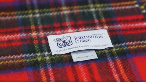 Nhãn sau khi được đóng lên trên vải Cashmere