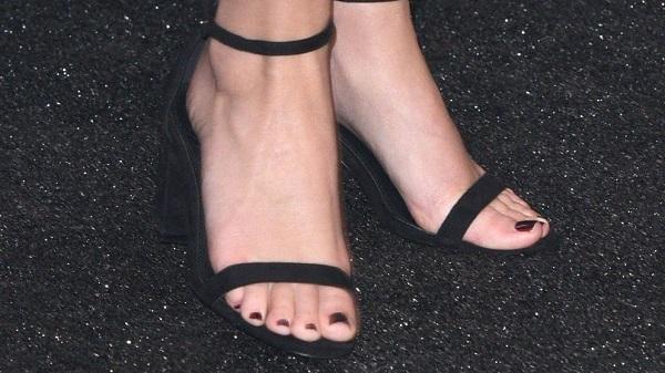 Bàn chân của Emma Watson gần như đẹp nhất thế giới