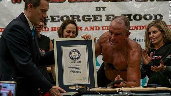 Kỷ lục plank thế giới được thiết lập bởi George Hood
