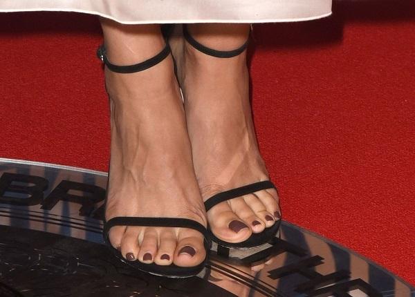 Bàn chân của Mila Kunis