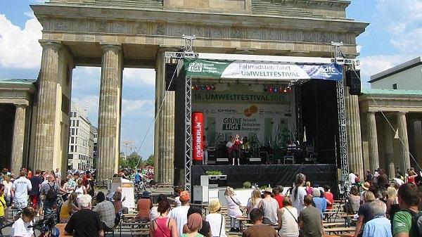 Cổng Brandenburg trong Lễ hội Môi trường 2011