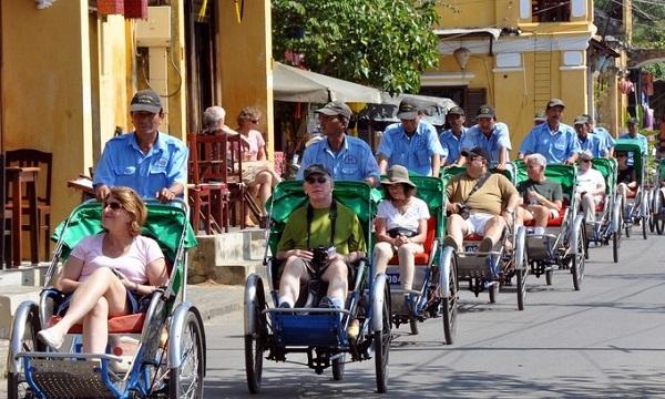 khái niệm khách du lịch theo tổ chức du lịch thế giới